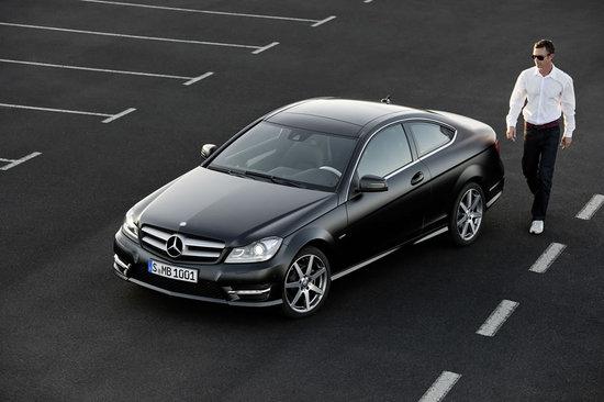 2012-Mercedes-Benz-C-Class-Coupe-5.jpg
