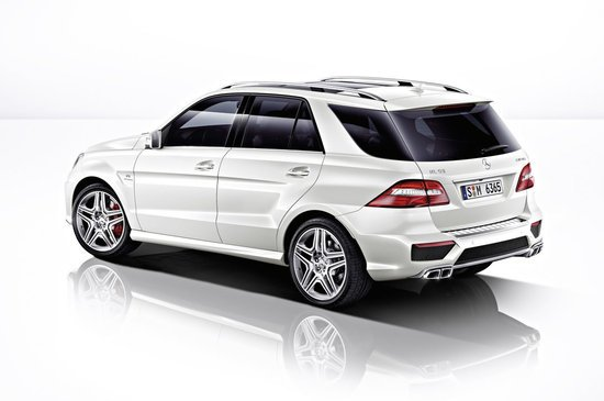 2012-Mercedes-Benz-ML63-AMG-2.jpg
