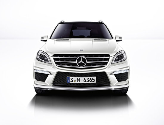 2012-Mercedes-Benz-ML63-AMG-3.jpg