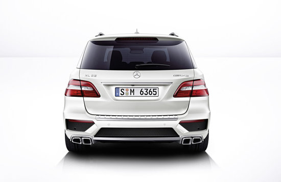 2012-Mercedes-Benz-ML63-AMG-4.jpg