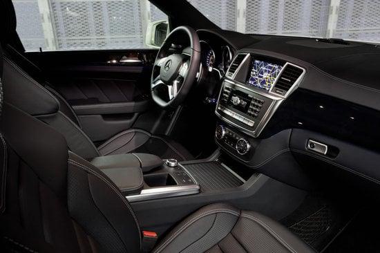 2012-Mercedes-Benz-ML63-AMG-5.jpg