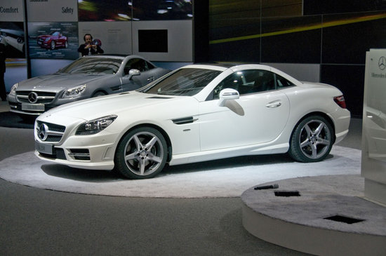 2012-Mercedes-Benz-SLK-Roadster-2.jpg