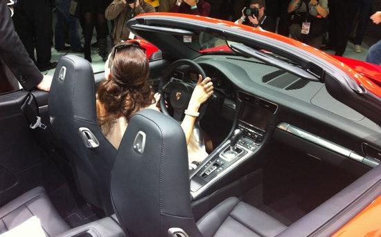 2012-Porsche-911-Cabriolet-2.jpg