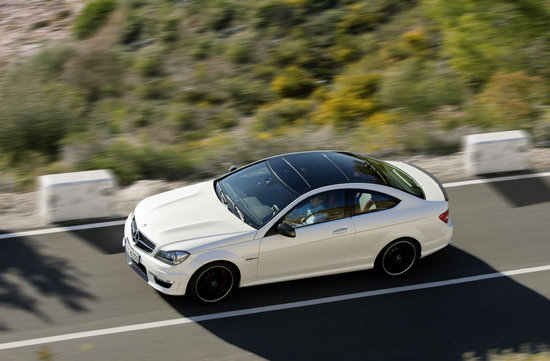 2012_mercedes_benz_c63_amg_coupe_2.jpg