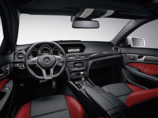 2012_mercedes_benz_c63_amg_coupe_3.jpg