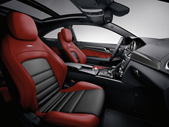 2012_mercedes_benz_c63_amg_coupe_4.jpg