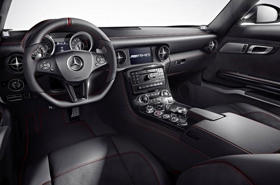 2013-Mercedes-Benz-SLS-AMG-GT-sports-3.jpg