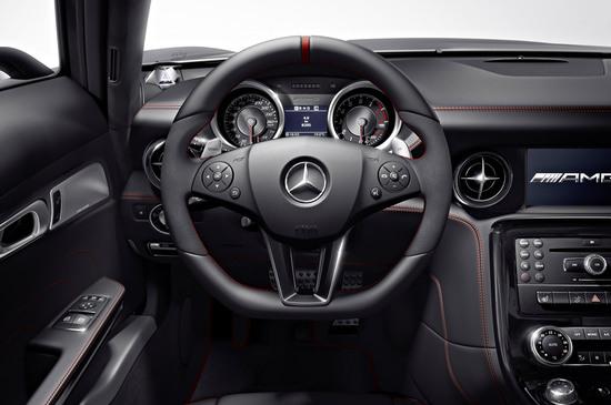 2013-Mercedes-Benz-SLS-AMG-GT-sports-4.jpg