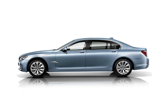2013-bmw-7-series-facelift-11.jpg