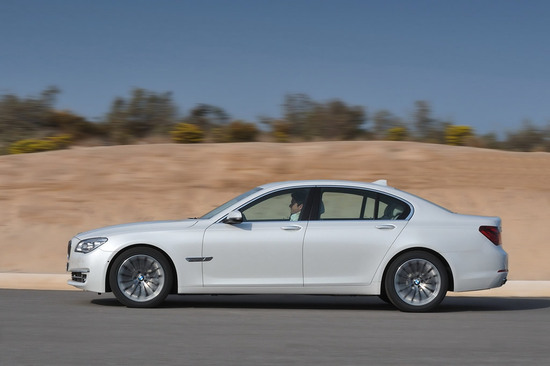 2013-bmw-7-series-facelift-2.jpg