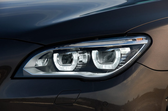 2013-bmw-7-series-facelift-4.jpg