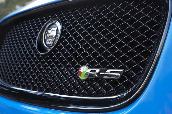 2014-jaguar-xfrs27-9.jpg