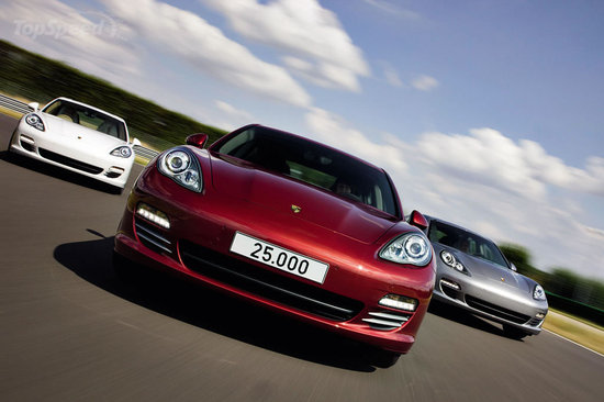 25,000th-Porsche-Panamera-2.jpg