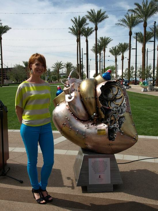 A childrens hospital in Vegas gets a stunning 5 foot tall heart sculpture with working gears