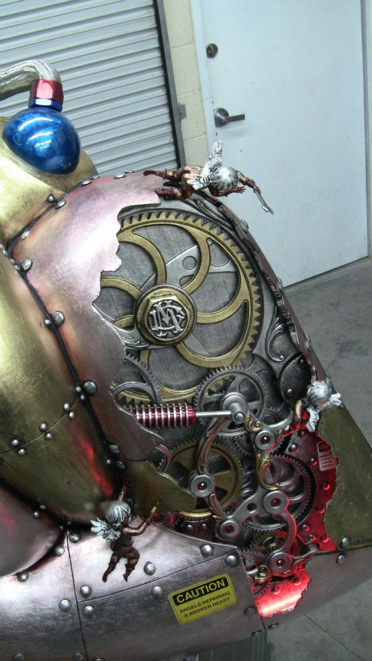 5-foot-tall-heart-sculpture-with-working-gears-3.jpg