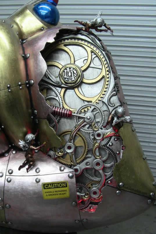 5-foot-tall-heart-sculpture-with-working-gears-7.jpg