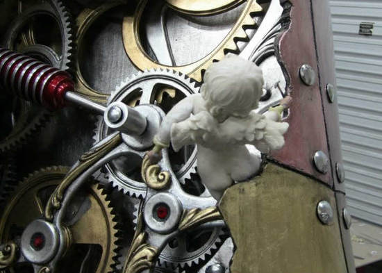 5-foot-tall-heart-sculpture-with-working-gears-8.jpg