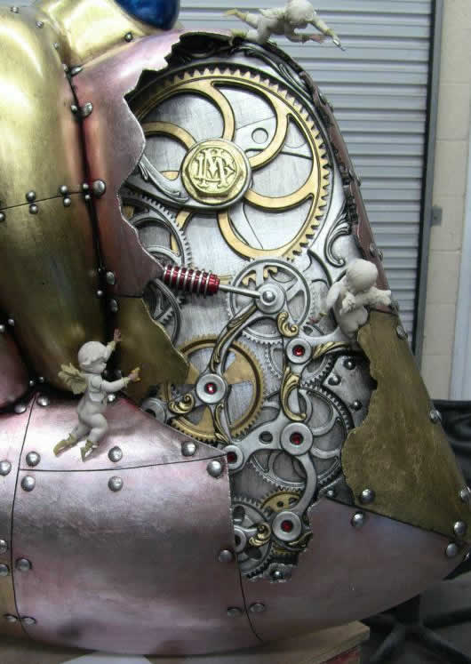 5-foot-tall-heart-sculpture-with-working-gears-9.jpg