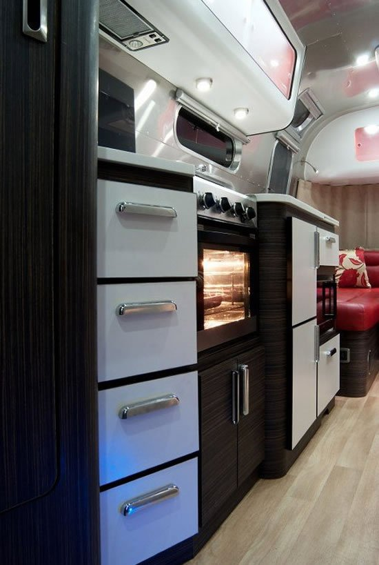 Airstream-Series-2-Trendy-Caravan5.jpg