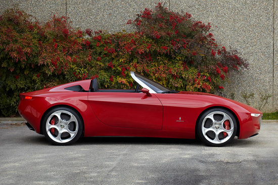 Alfa_Romeo_2uettottanta3.jpg