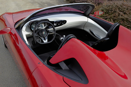 Alfa_Romeo_2uettottanta5.jpg