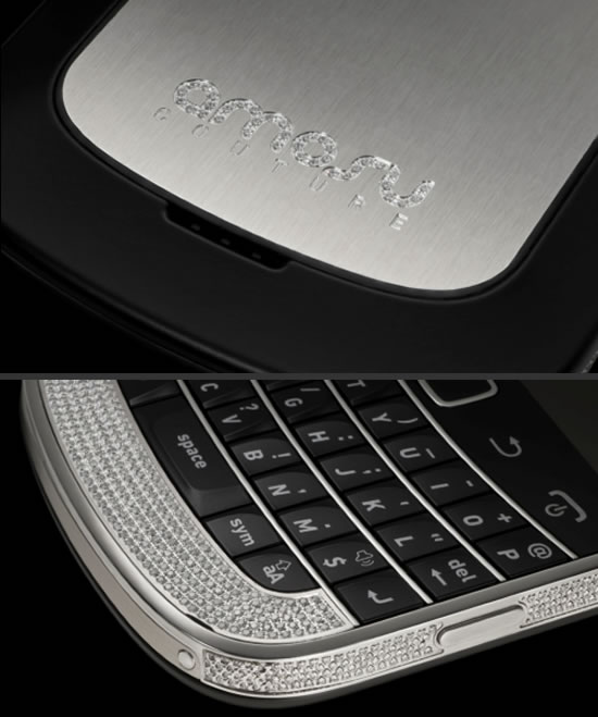 Amosu-Couture-first-Swarovski-encrusted-BlackBerry-Bold-9900-2.jpg