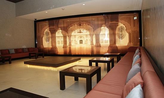 Armani-Hotel-2.jpg