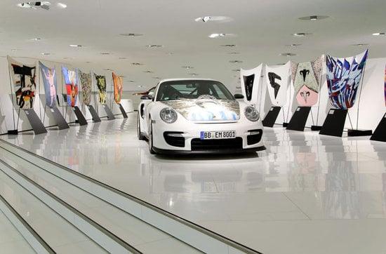 Artwork-on-Porsche-911-GT2-bonnets-2.jpg