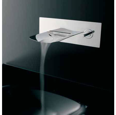 Arya_Glass_Waterfall_Faucet_3.jpg