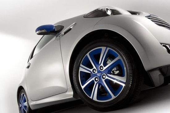 Aston-Martin-Cygnet-by-Colette-3.jpg