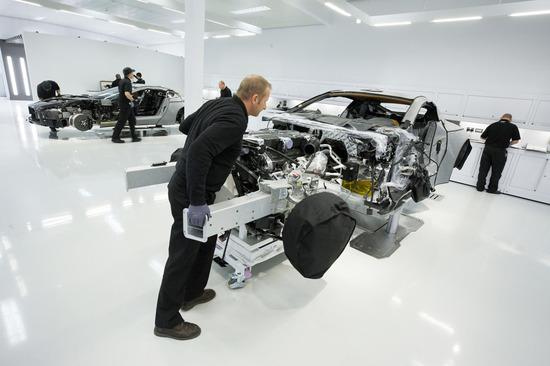 Aston-Martin-One-77-3.jpg