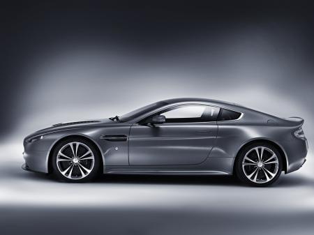 Aston-Martin-V12-Vantage-2.jpg