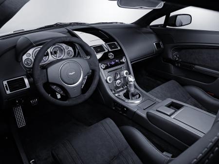 Aston-Martin-V12-Vantage-4.jpg