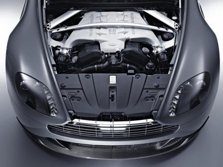 Aston-Martin-V12-Vantage-6.jpg