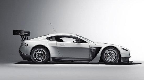 Aston-Martin-V12-Vantage-GT3-4.jpg