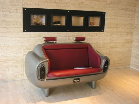 Aston_DB6_couch_4.jpg