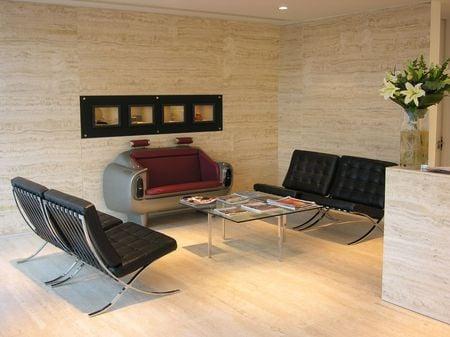 Aston_DB6_couch_5.jpg