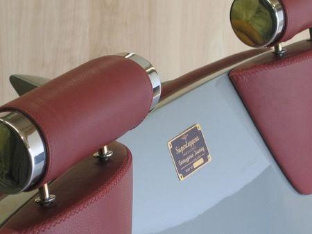 Aston_DB6_couch_6.jpg