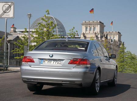 BMW_Hydrogen_7_3.jpg