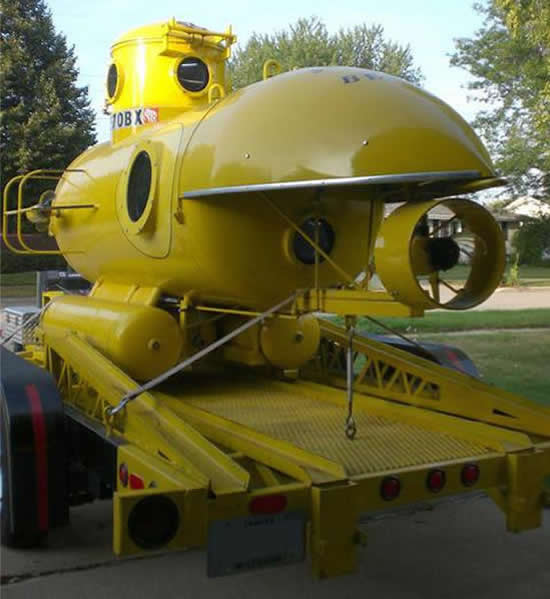 Barrett-Jackson-Submarine-03.jpg
