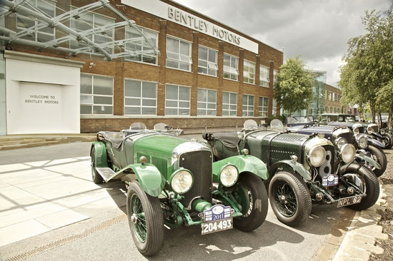 Bentley-extravaganza-3.jpg