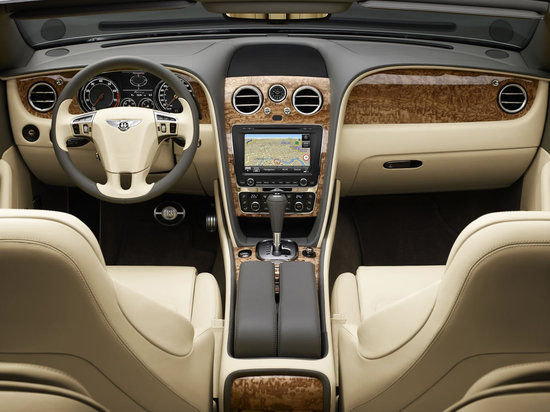 Bentley_Continental_GTC_8.jpg