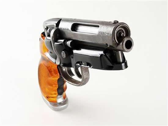 Blade_Runner_blaster-gun.jpg