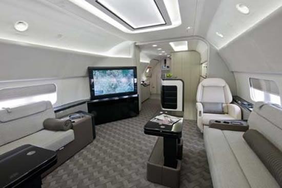 Boeing_BBJ_737-700_2.jpg