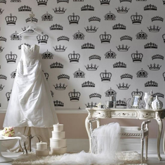 British-Designer-Wallpaper-1.jpg