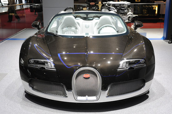 Bugatti-Grand-Sport-in-carbon-fiber2.jpg