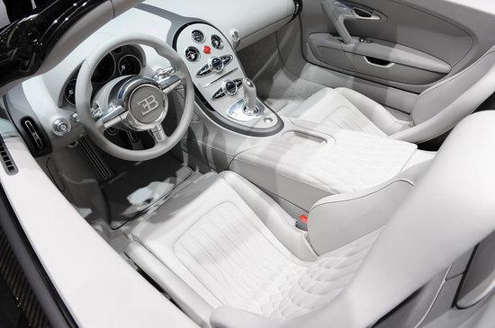 Bugatti-Grand-Sport-in-carbon-fiber5.jpg