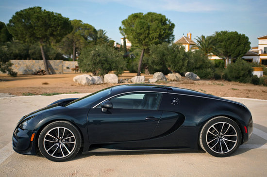 Bugatti-Veyron-16.4-sports-car-2.jpg