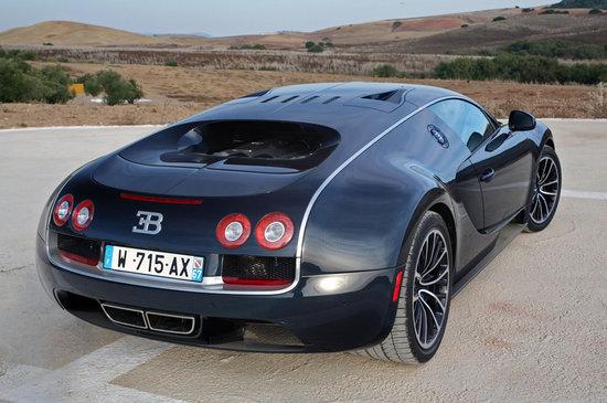 Bugatti-Veyron-16.4-sports-car-4.jpg