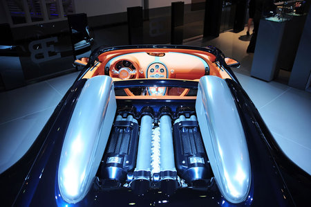 Bugatti_Veyron4.jpg